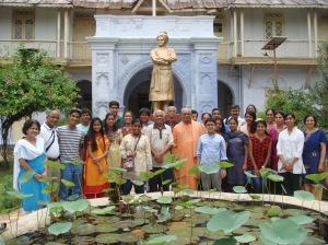 Group photo with Rev. Swami Nikhileswaranandaji