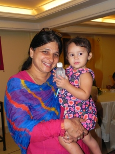 Cute Tanisha makes Trupti Aunty happy!