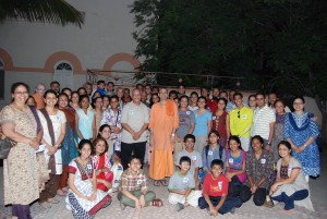 Gorup photo with Swami Atmadipananda - 1
