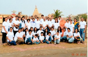 Wish fulfilled!  Having group photo in Vidyapith's T-shirts in front of Somanath Temple