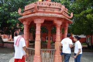 Guide Shri Narendra Dave