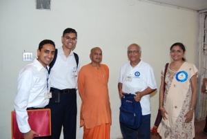 With Swami of Vadodara and singer Vanita Thakkar