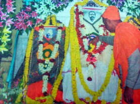 Jhamapukur Rajbari 8 Holy trinity being worshipped